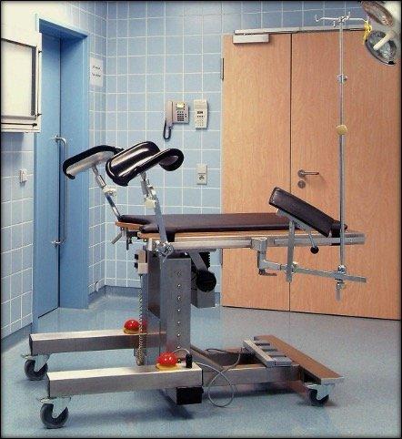 Brachytherapie Tisch für die Strahlentherapie der GfM Gesellschaft für Medizintechnik aus Groß-Gerau bei Darmstadt und Frankfurt am Main